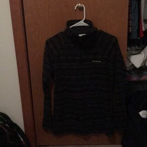 Patterned Columbia pull over